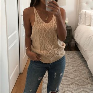 Tops - Knit top with low sides